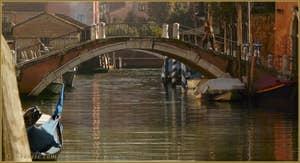 Le pont Trevisan, sur le rio dei Ognissanti, dans le Sestier du Dorsoduro à Venise.