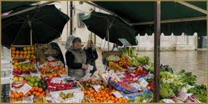 Salavatore, marchand de fruits et légumes sur le Campo Santa Maria Formosa, et Daniela, dans le Sestier du Castello à Venise.