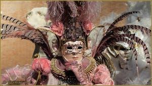 Le Carnaval de Venise : Plumes Roses et Blanches.