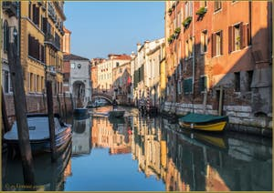 Le rio de la Pietà Sant'Antonin, le long de la Fondamenta San Giorgio dei Shiavoni, dans le Sestier du Castello à Venise.