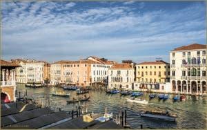 Le Grand Canal de Venise et ses palais : Ca' d'Oro, Sagredo, Foscari et Michiel delle Colonne.