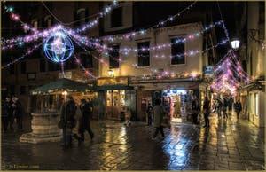 Les illuminations de Noël à Venise sur le Campiello Bruno Crovato San Canzian, dans le Sestier du Cannaregio.