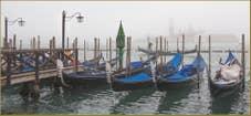 Gondoles dans le Brouillard sur le Bassin de Saint-Marc