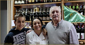 Riccardo, Maria et Piero, Bar-Pâtisserie , Salizada dei Greci - Castello