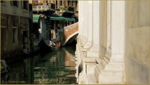 Le rio dei Miracoli, le long de l'église Santa Maria dei Miracoli, dans le Sestier du Cannaregio à Venise.