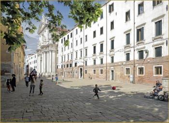 L'église et le Campo dei Gesuiti, dans le Sestier du Cannaregio à Venise.