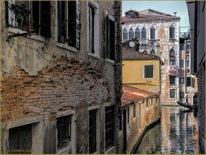 Le rio del Piombo et le Palazzo Pisani.
