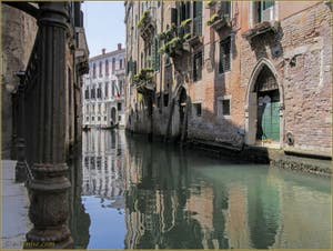 Le rio de San Severo et le Palazzo Grimani, dans le Sestier du Castello à Venise.