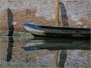 Reflets Vénitiens sur le rio del Pestrin Paradiso, dans le Sestier du Castello à Venise.