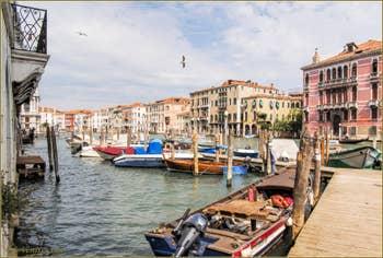Le Grand Canal de Venise et le palazzo Fontana Rezzonico