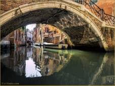 Le pont Storto et le rio de Sant'Aponal