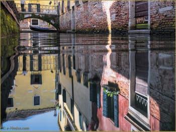 Le rio de San Zaninovo le long de la Fondamenta del Remedio, dans le Sestier du Castello à Venise