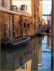 Le pont de Ghetto Vechio sur le rio del Gheto à Venise