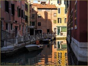 Le Rio de le Gorne et la Fondamenta dei Penini, dans le Sestier du Castello à Venise.