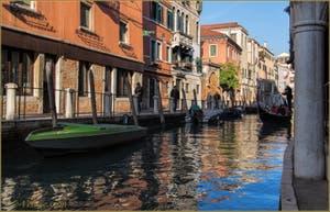 Gondole sur le Rio et le long de la Fondamenta San Felice, dans le Sestier du Cannaregio à Venise.