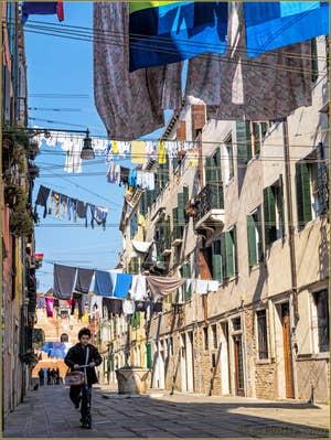 Lessive et joie de vivre, Corte Nova, dans le Castello à Venise.