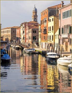 Douceur Véntienne Rio dei Ognissanti, dans le Sestier du Dorsoduro à Venise.
