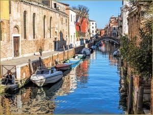 Les beaux reflets du Rio de Santa Caterina, dans le Cannaregio à Venise.