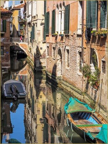 Le Pont de la Modena sur le Rio de San Boldo, frontière entre Santa Croce et San Polo à Venise.