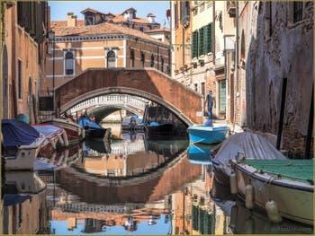 Pont privé sur le Rio dei Frari, dans le Sestier de San Polo à Venise.