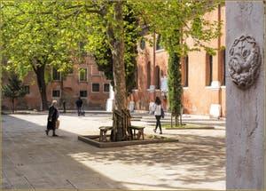 Le Campo de la Confraternita à côté de l'église San Francesco della Vigna, dans le Castello à Venise.