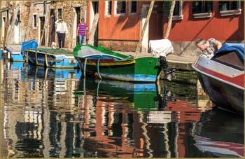 L'été Rio de San Barnaba, le long de la Fondamenta Gherardini, dans le Sestier du Dorsoduro à Venise.
