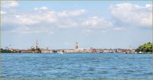 Les Campaniles et églises de Venise face au bassin de Saint-Marc.
