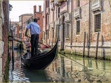 Gondole sur le Rio Sant'Andrea Gozzi