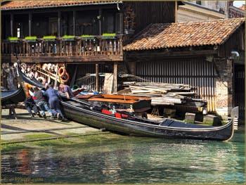 Le Squero de San Trovaso, dans le Sestier du Dorsoduro à Venise.