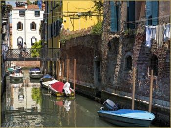 Été Vénitien sur le Rio de l'Arco, dans le Sestier du Castello à Venise.