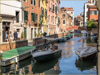 Le Rio et la Fondamenta de Sant' Andrea, dans le Sestier du Cannaregio à Venise.