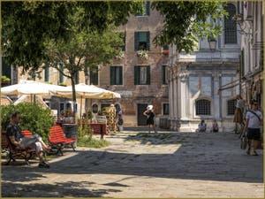 Le Campo de Santa Maria Nova et l'église dei Miracoli, dans le Sestier du Cannaregio à Venise.