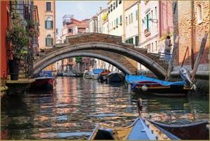 Le Rio de San Felice et le Pont Chiodo, dans le Sestier du Cannaregio à Venise.