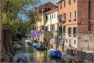 La Venise des Vénitiens le long du Rio et de la Fondamenta Sant' Isepo, dans le Sestier du Castello à Venise.