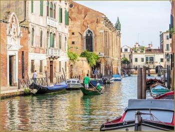 Le Rio de la Sensa et la Scuola de la Misericordia à Venise, dans le Sestier du Cannaregio à Venise.