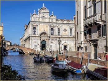 La Scuola Grande San Marco et le pont Cavallo, sur le Rio dei Mendicanti, dans le Castello à Venise.