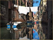 Miroir et Lessive Rio dei Scudi Santa  Ternita