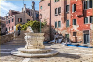 Le Campo San Boldo et son puits, dans le Sestier de San Polo à Venise.