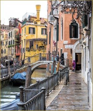 La Fondamentina de l'Osmarin et le Pont del Diavolo, dans le Sestier du Castello à Venise.