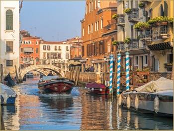 Le Rio San Vio et la Fondamenta Bragadin, dans le Sestier du Dorsoduro à Venise.