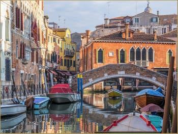 Le Rio del Gaffaro et le Pont de Ca' Marcello à Venise.