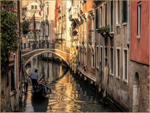 Le Rio et le Pont del Borgoloco, dans le Sestier du Castello à Venise.