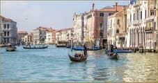 Gondoles et Traghetto sur le Grand Canal