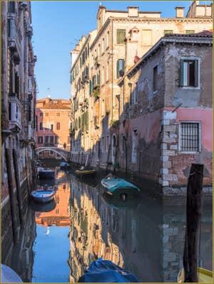 Le Rio di San Boldo et le Pont del Colombo, à Santa Croce à Venise.