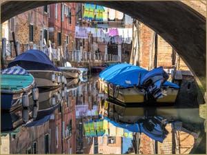 Venise toute en Couleurs, lessive Rio Rielo dans le Castello.