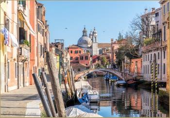 Le Rio dei Ognissanti et le pont Trevisan, dans le Dorsoduro à Venise