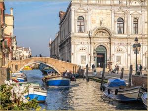 Le Rio dei Mendicanti et la Scuola Grande San Marco, dans le Castello à Venise.