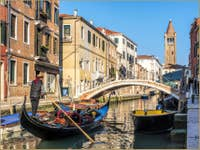 Gondole Rio de San Barnaba à Venise
