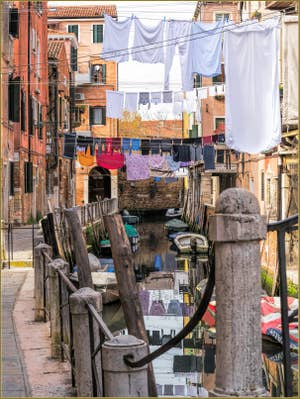 Lessive Rio del Riello, dans le Castello à Venise.