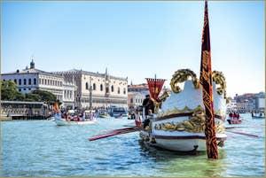 La Serenissima  devant le Palais des Doges à Venise à la fête de la Sensa.